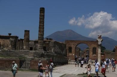 Vesuvius acting innocent